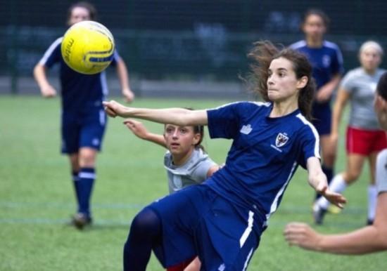 AFC Wimbledon ladies striker Vicki Lowndes