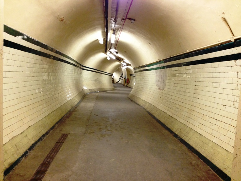 ALDWYCH peer down the tunnel leading to southbound platform