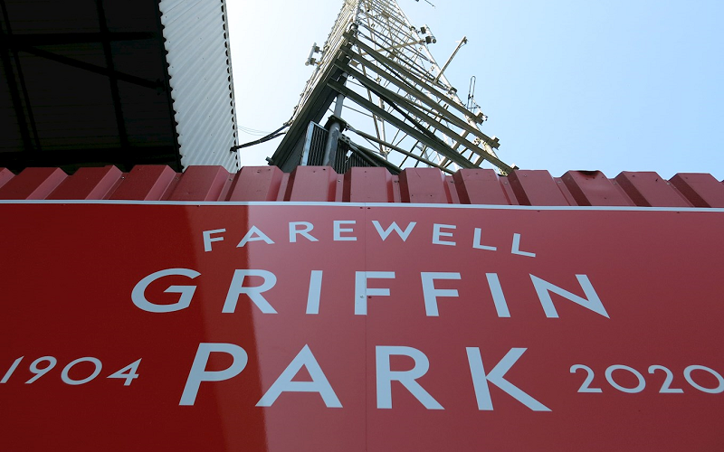 A red sign saying farewell Griffin Park