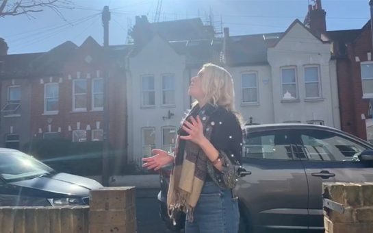 Wandsworth-based singer Georgie Temple is raising community spirit by singing requested songs outside homes.