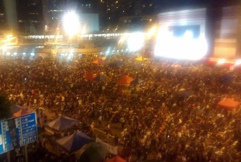 HK protest Admiralty Station