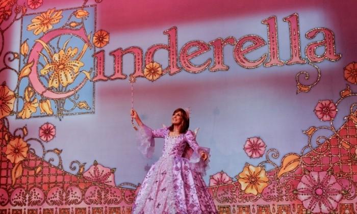 Linda Gray Cinderella featured2 pic credit Craig Sugden