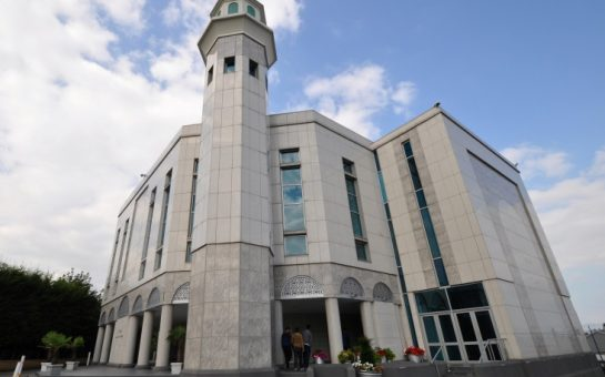 Baitul Futuh Mosque, Morden (stevekeiretsu)