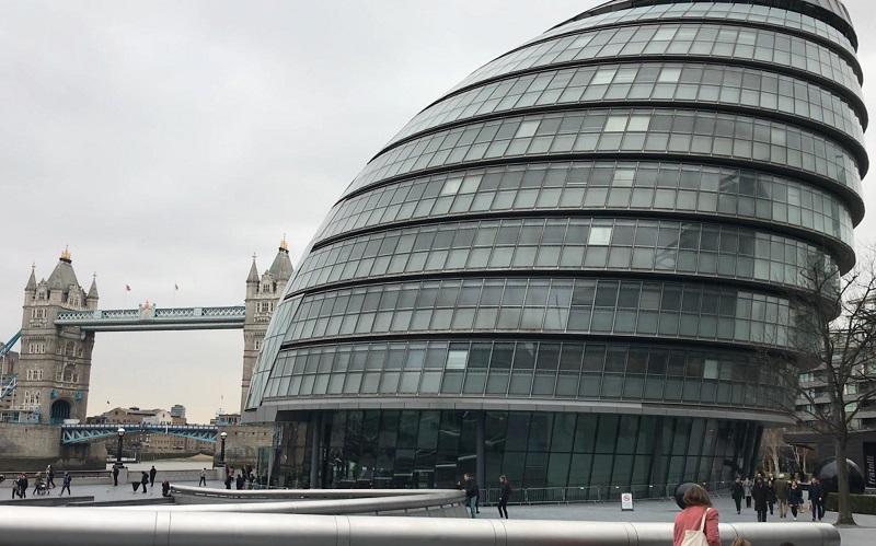 london city hall exterior