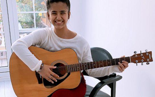 tanushree with her guitar