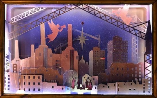 Giant advent calendar window illumination in Nine Elnms