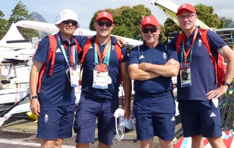 mark edgar with team gb rowers