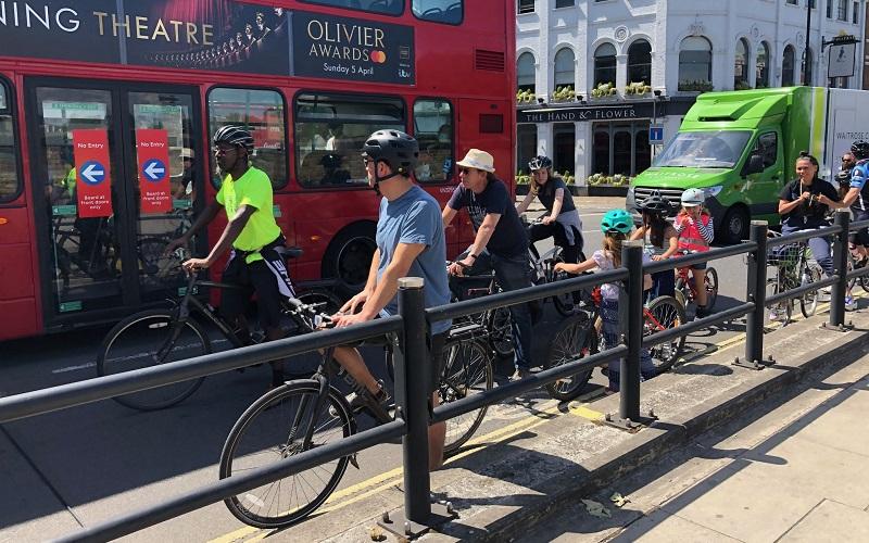 Kensington High street cycle lane