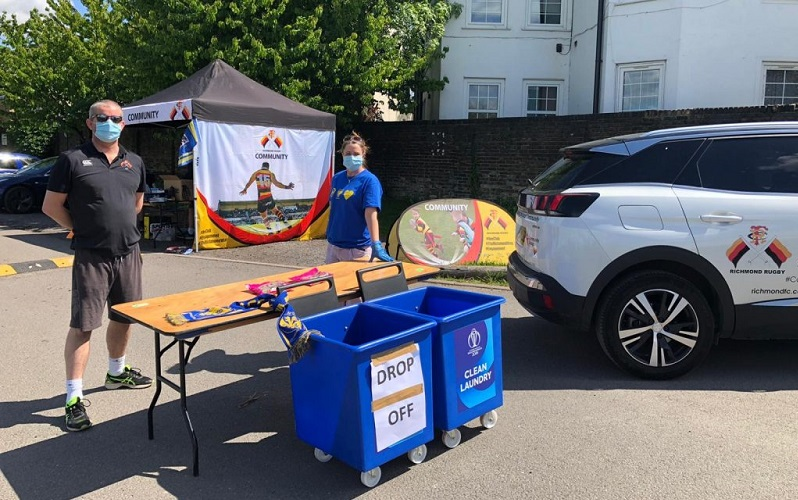 richmond rugby club volunteers collecting donations