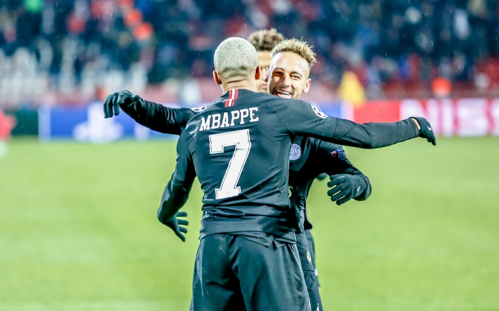 neymar and mbappe celebrate for PSG