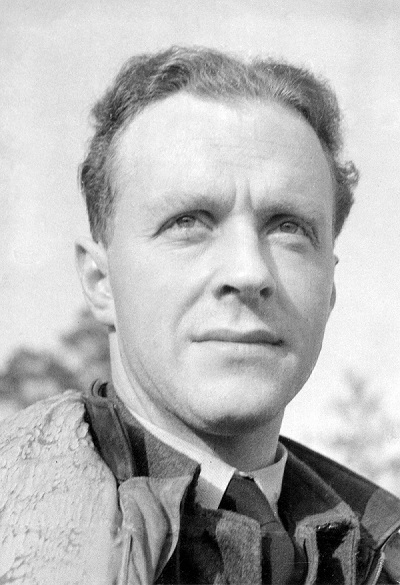 Image of Sgt Ray Holmes wearing his RAF uniform in 1941