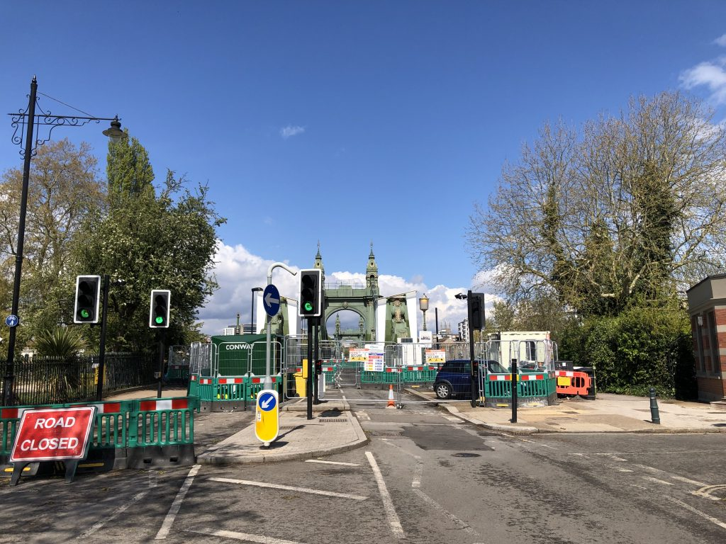 Closed Hammersmith Bridge